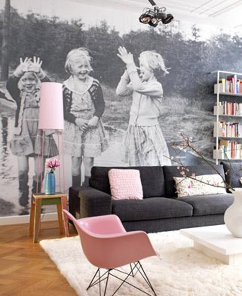 Musta-valkoista ja vaaleanpunaista